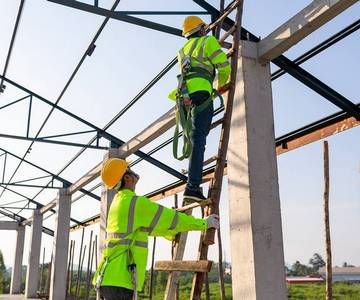 8 Best Workplace Ladder Safety Tips and Regulations