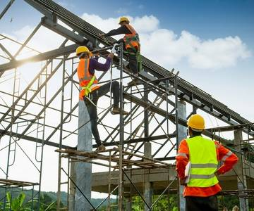 How to Set Up a Fall Protection Plan for Working at Heights