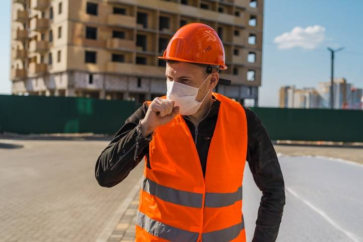 Protect yourself from the health and safety hazards in the construction industry.