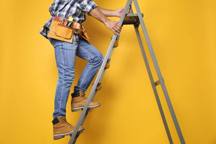2. Wear the right shoes before climbing the ladder.