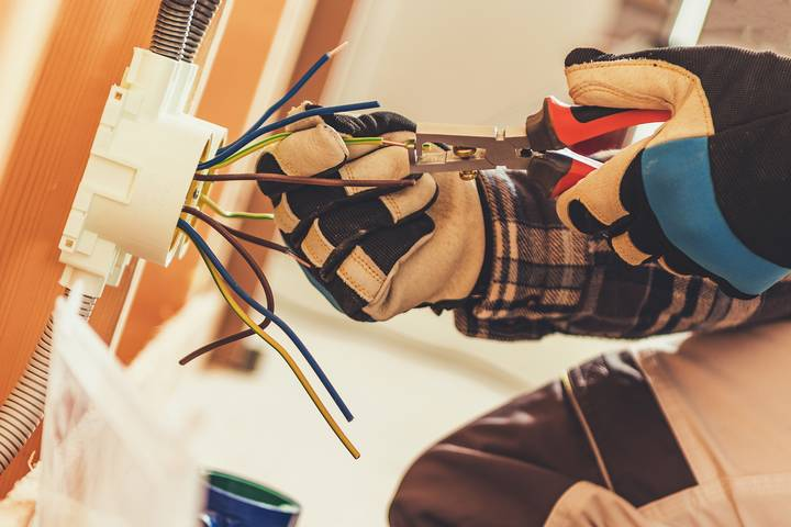 Safety Rule - Maximize electrical safety with workplace equipment
