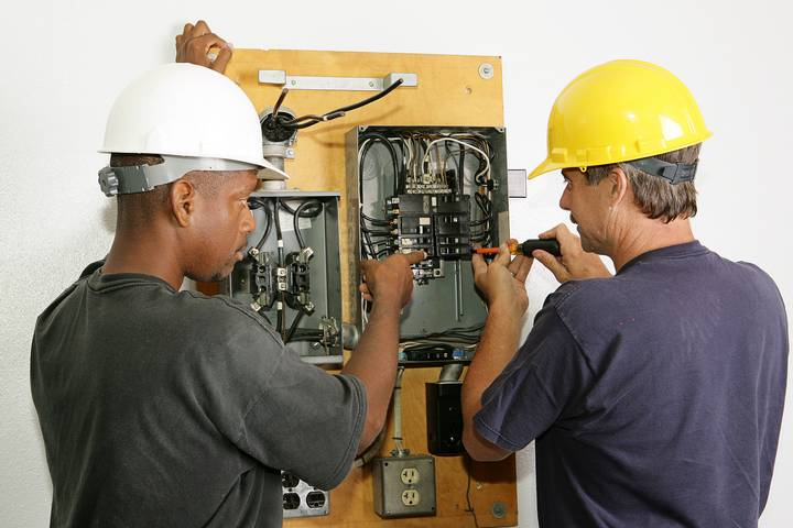 Safety Rule - Train employees on electrical safety in the workplace